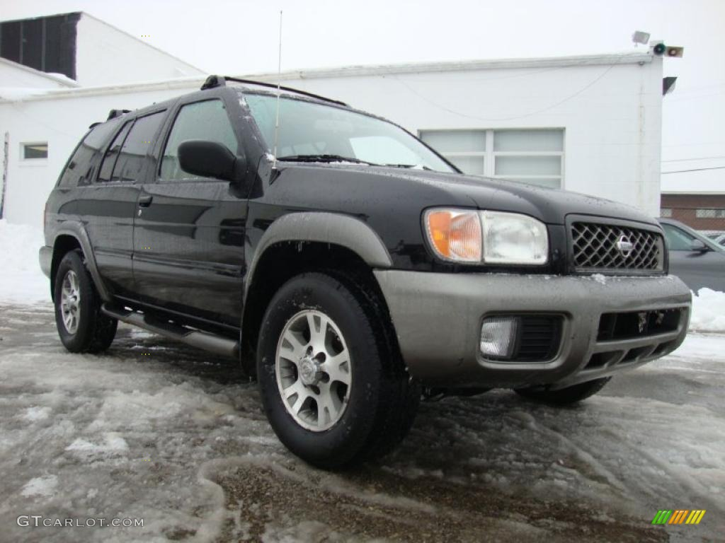 Super Black 2000 Nissan Pathfinder SE 4x4 Exterior Photo ...