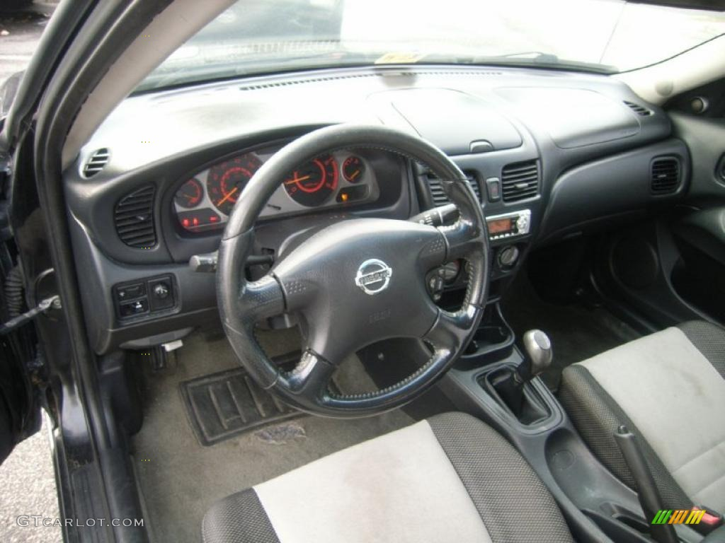 Black Interior 2003 Nissan Sentra Se R Spec V Photo
