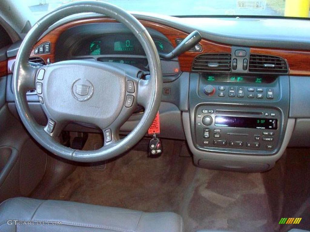 2005 Cadillac Deville Sedan Shale Dashboard Photo 44698397
