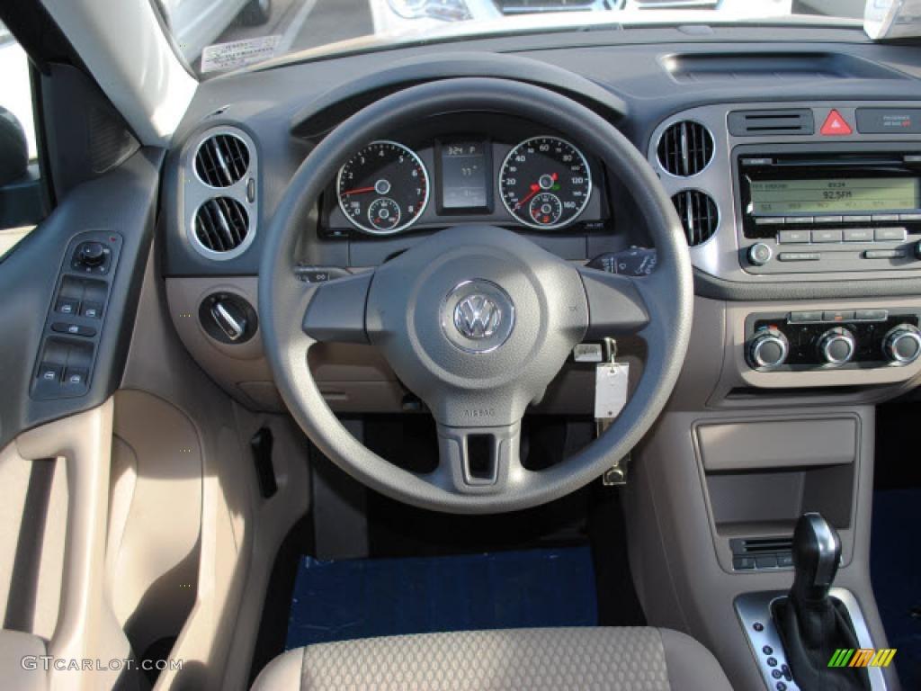 2011 Volkswagen Tiguan S Clay Gray Dashboard Photo