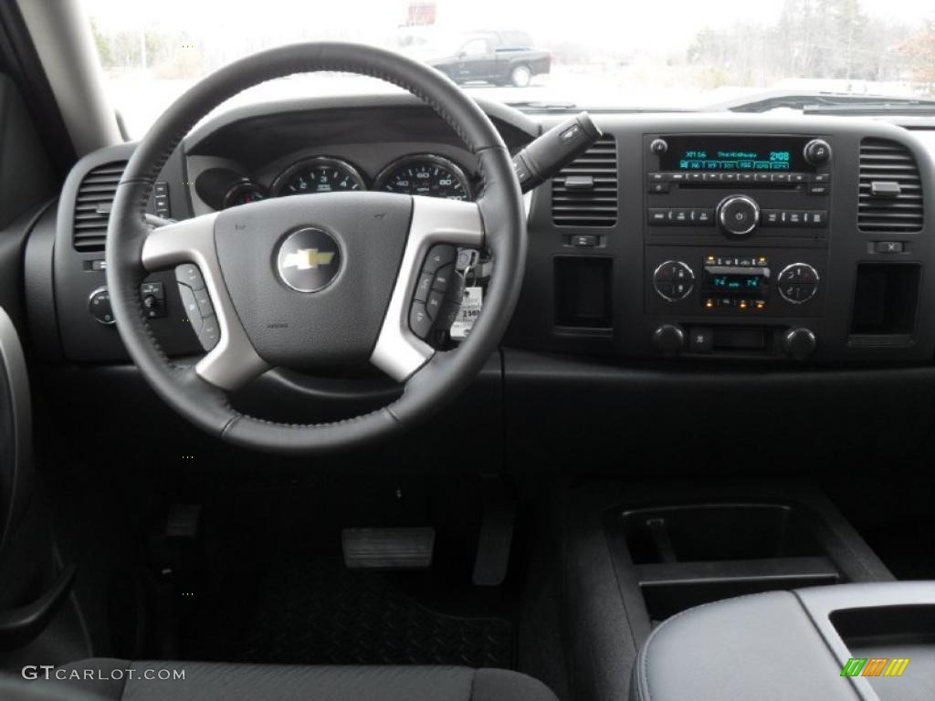 2011 Silverado 1500 LT Crew Cab - Black / Ebony photo #15
