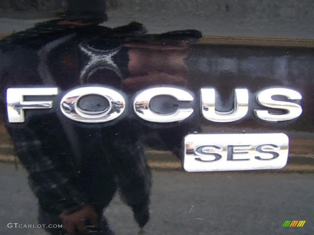 2005 Focus ZX4 SES Sedan - Pitch Black / Dark Flint/Light Flint photo #30