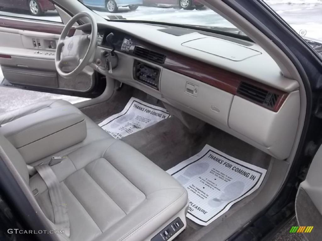 1995 Cadillac Deville Sedan Gray Dashboard Photo 44799366