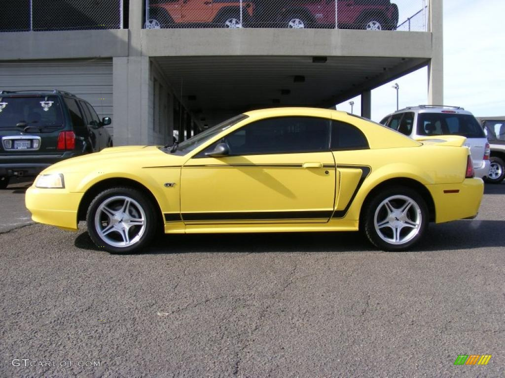 2000 Mustang GT Coupe - Zinc Yellow / Dark Charcoal photo #9