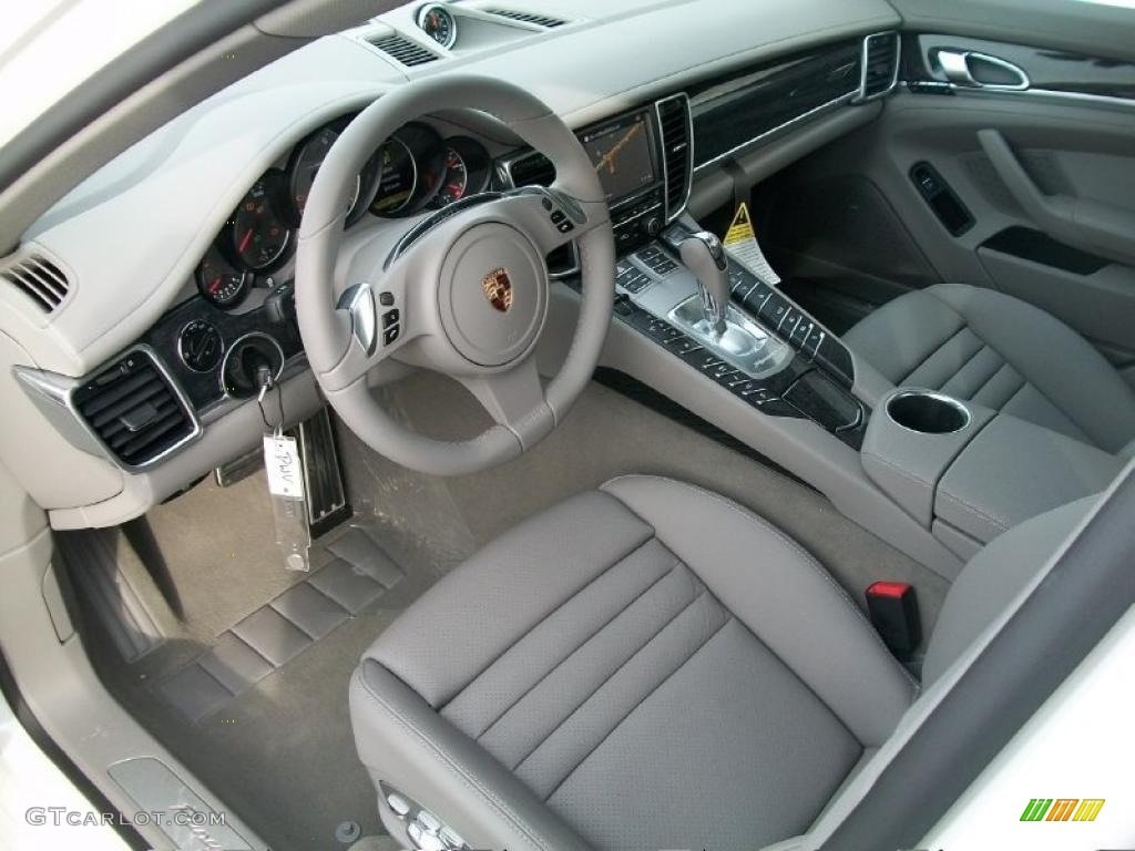 Platinum grey interior 2011 porsche panamera 4s photo 44817792 for Porsche panamera interior dimensions