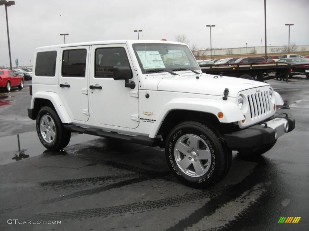 bright white 2011 jeep wrangler unlimited sahara 4x4. Black Bedroom Furniture Sets. Home Design Ideas