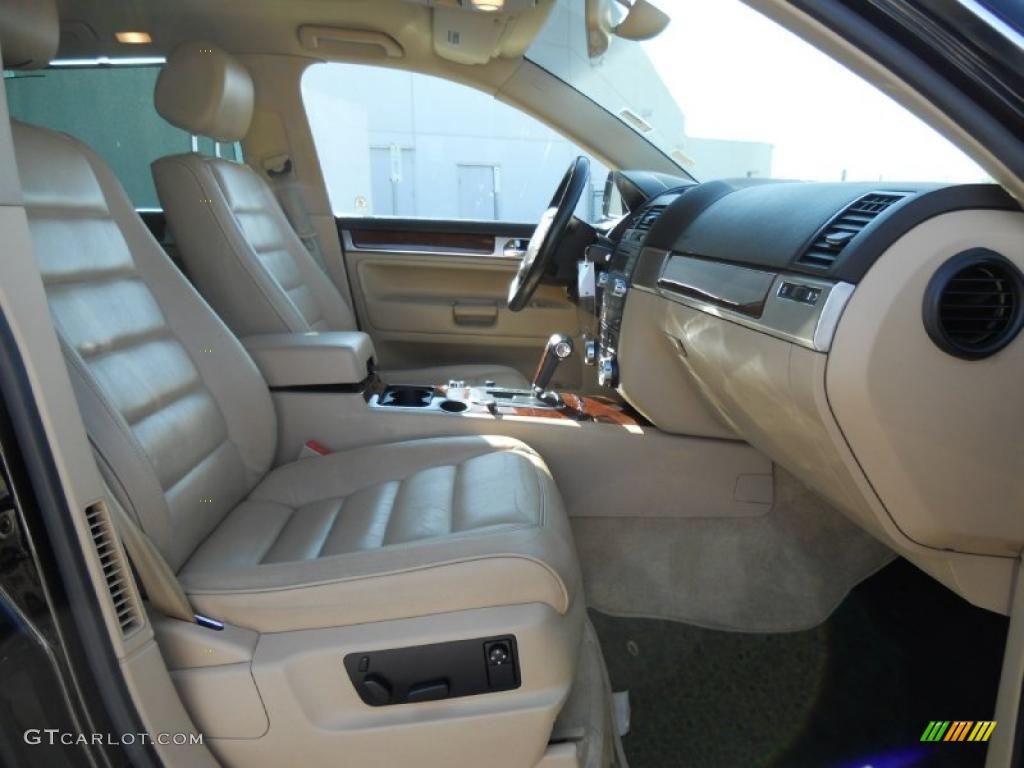 Pure Beige Interior 2004 Volkswagen Touareg V6 Photo 44945521