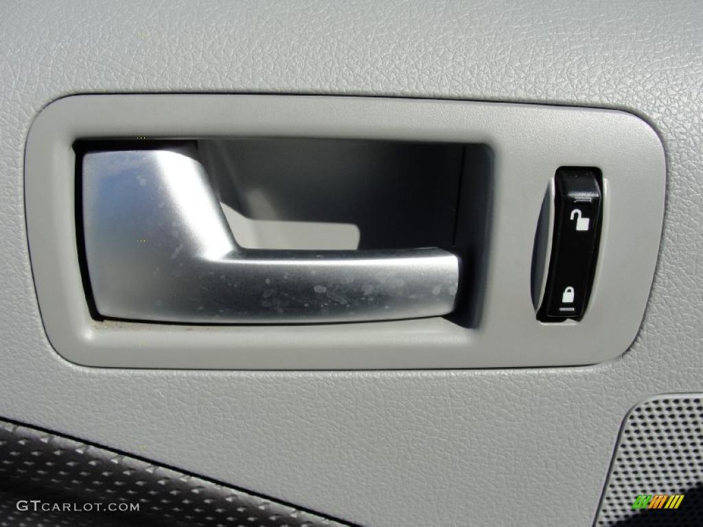 2006 Mustang GT Premium Coupe - Windveil Blue Metallic / Light Graphite photo #32