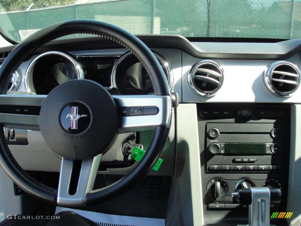 2006 Mustang GT Premium Coupe - Windveil Blue Metallic / Light Graphite photo #37