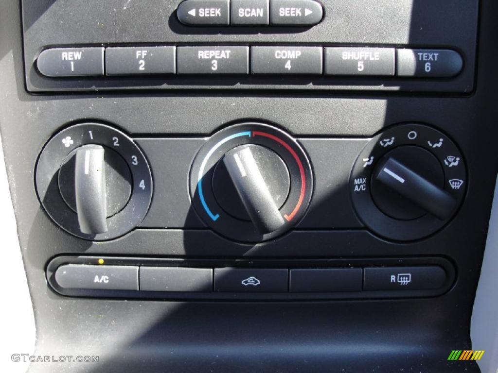 2006 Mustang GT Premium Coupe - Windveil Blue Metallic / Light Graphite photo #40