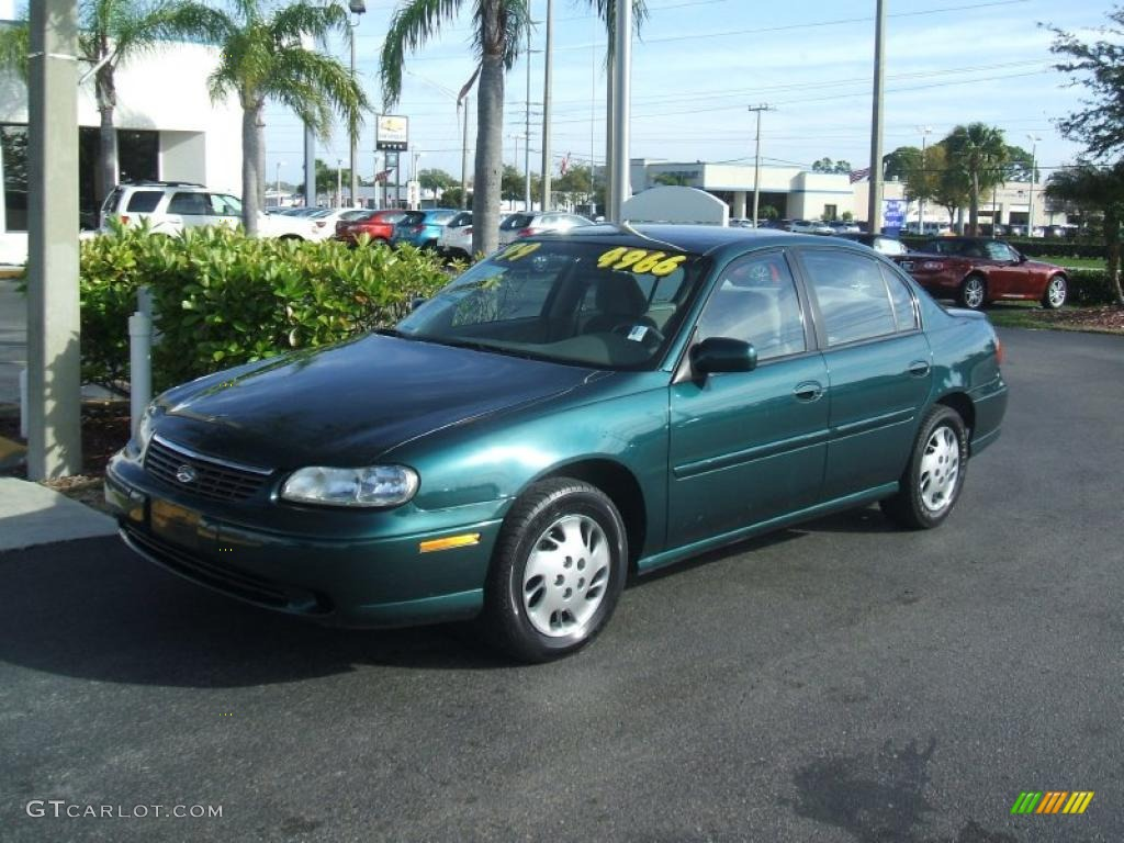 1999 Malibu Sedan Dark Jade Green Metallic Medium Gray Photo 1