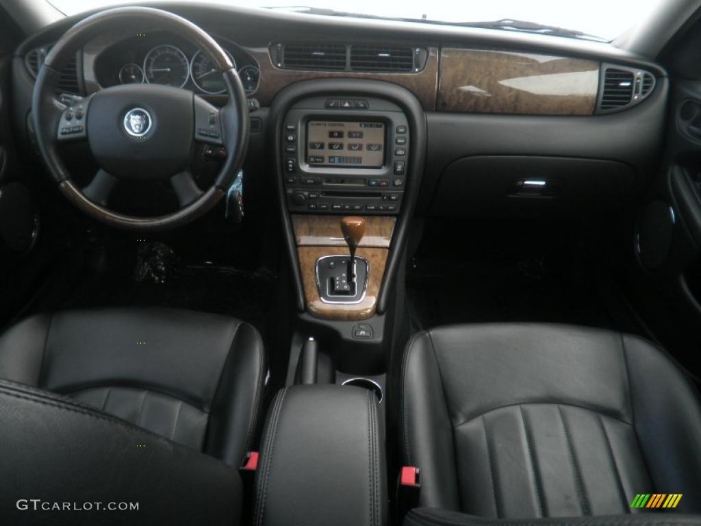 2006 jaguar x-type 3.0 sport wagon charcoal dashboard photo