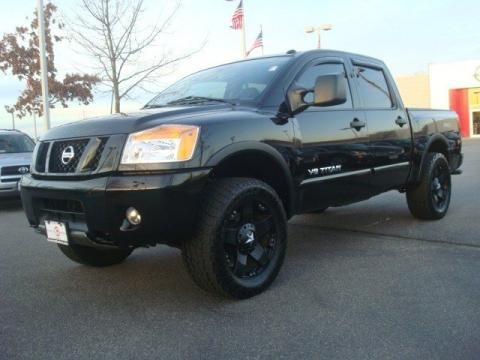 2010 nissan titan pro 4x crew cab 4x4 data info and specs. Black Bedroom Furniture Sets. Home Design Ideas