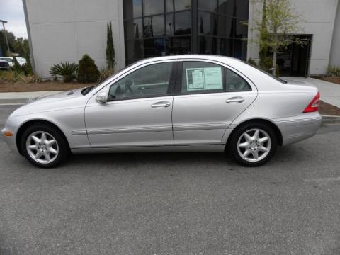 2004 mercedes benz c 240 sedan data info and specs. Black Bedroom Furniture Sets. Home Design Ideas