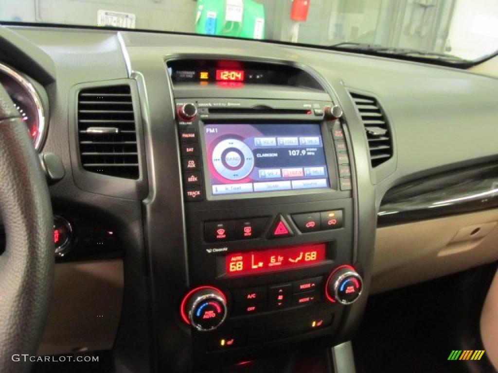 2011 Sorento LX AWD - Spicy Red / Beige photo #11
