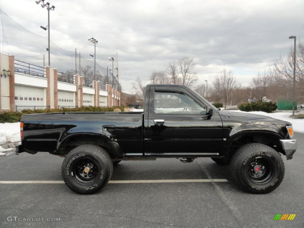 1993 black toyota pickup deluxe regular cab 4x4 45331846