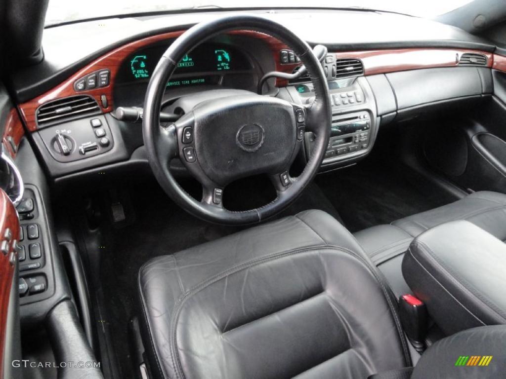 Black Interior 2002 Cadillac Deville Sedan Photo 45372659