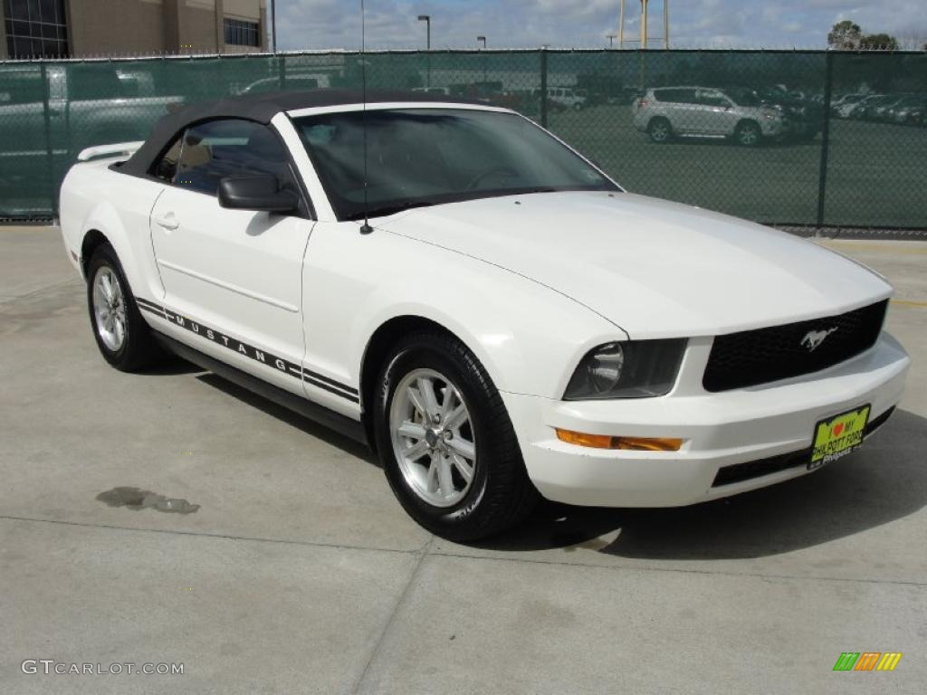 2006 Mustang V6 Premium Convertible - Performance White / Light Graphite photo #1