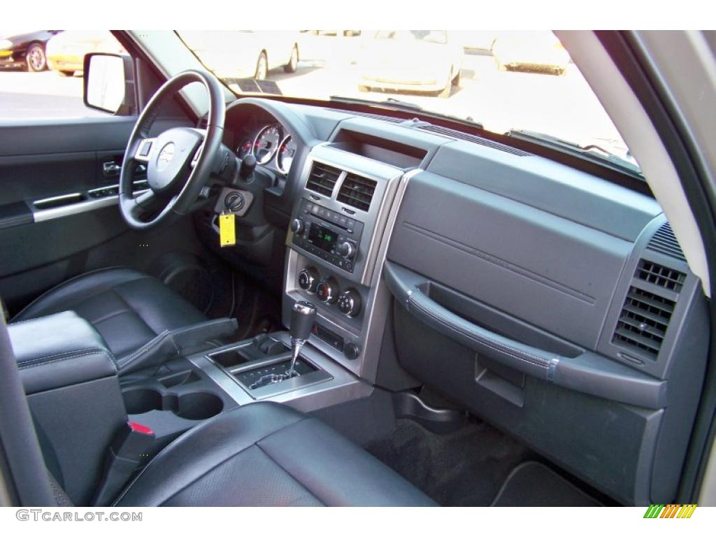 2010 jeep liberty limited 4x4 interior photos for Jeep liberty interior accessories