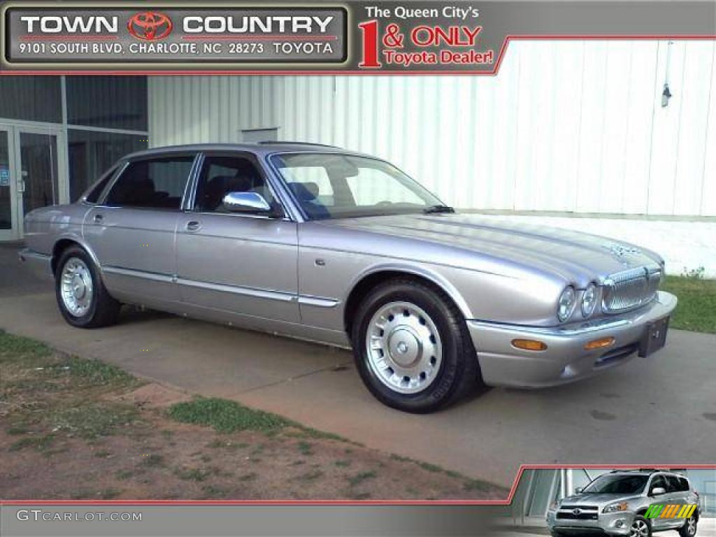 2000 XJ Vanden Plas   Platinum Silver / Charcoal Photo #1