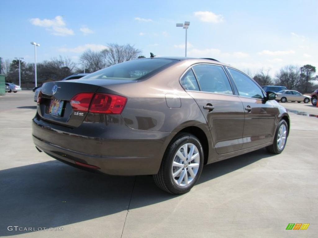toffee brown metallic 2011 volkswagen jetta se sedan. Black Bedroom Furniture Sets. Home Design Ideas
