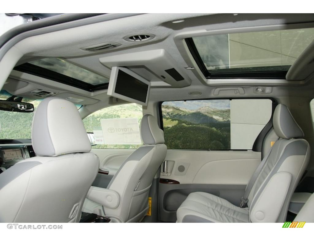 Light Gray Interior 2011 Toyota Sienna Limited AWD Photo #45597128 ...