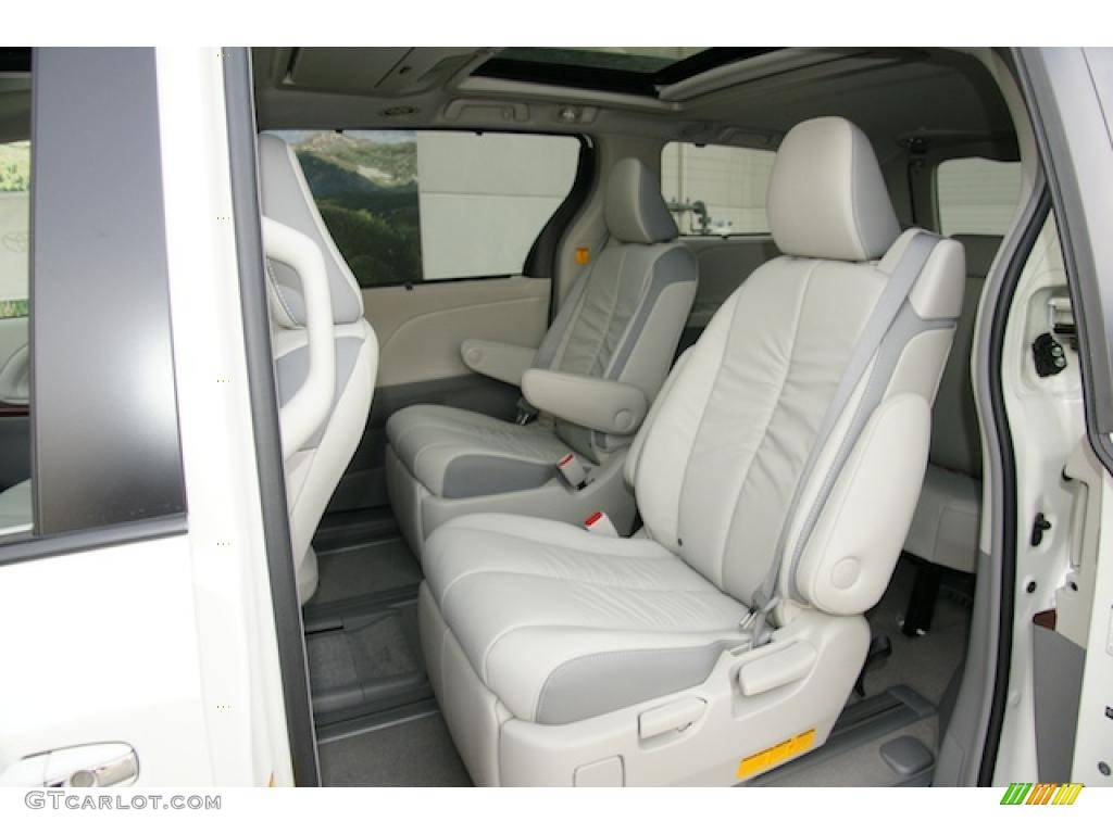 2011 sienna limited awd blizzard white pearl light gray photo 6