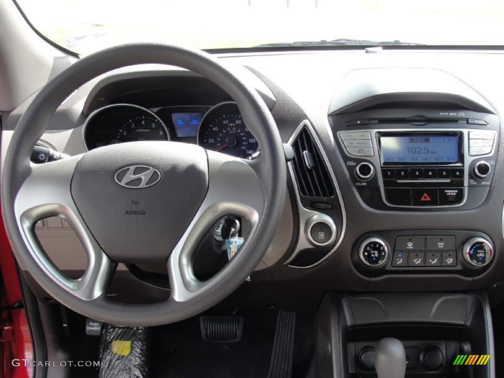 2011 hyundai tucson gl taupe dashboard photo 45651061. Black Bedroom Furniture Sets. Home Design Ideas