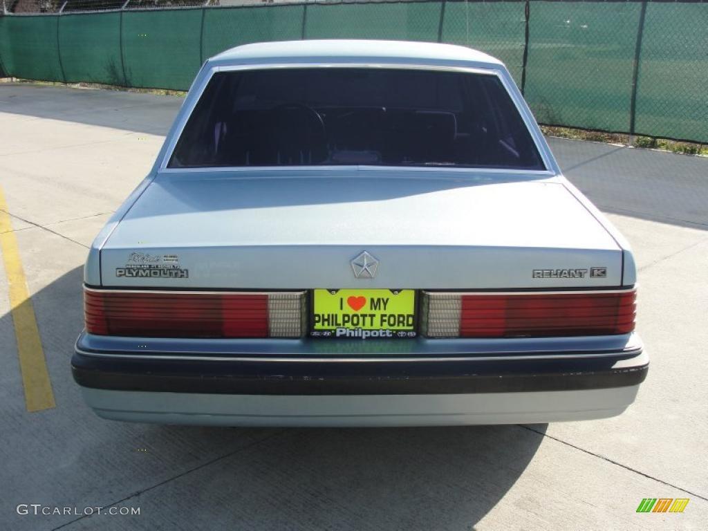1989 Light Blue Metallic Plymouth Reliant K LE America 45648448 Photo 4