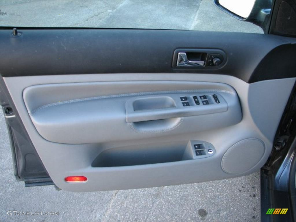 2004 Volkswagen Jetta Gls Tdi Sedan Grey Door Panel Photo 45754994