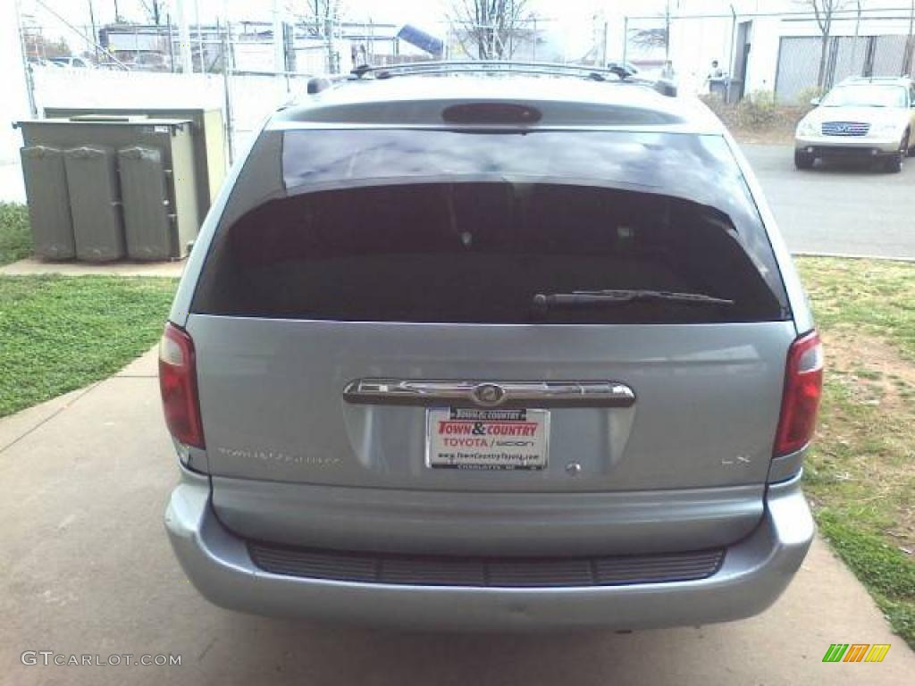 2003 Town & Country LX - Butane Blue Pearl / Gray photo #4