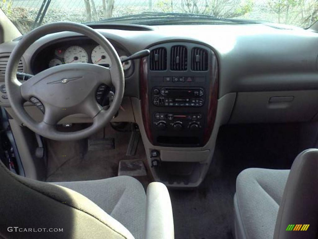 2003 Town & Country LX - Butane Blue Pearl / Gray photo #5