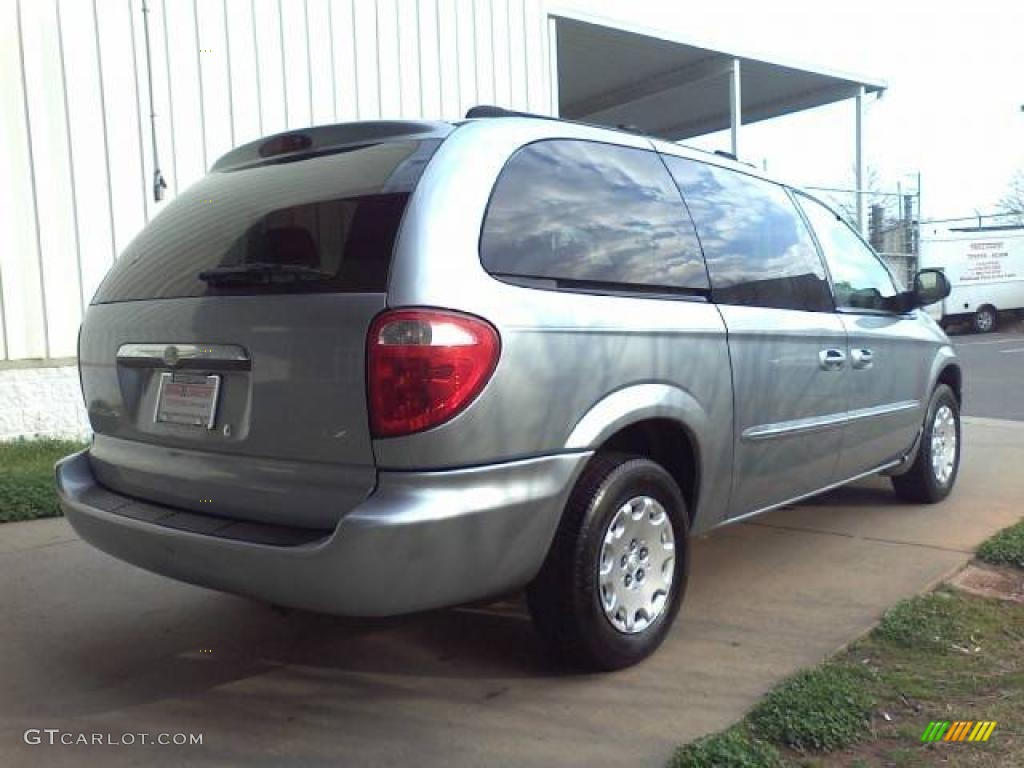 2003 Town & Country LX - Butane Blue Pearl / Gray photo #16