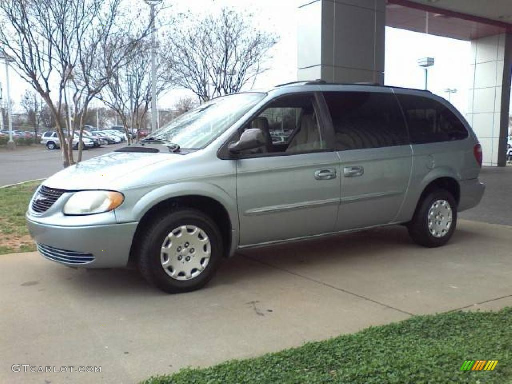 2003 Town & Country LX - Butane Blue Pearl / Gray photo #18