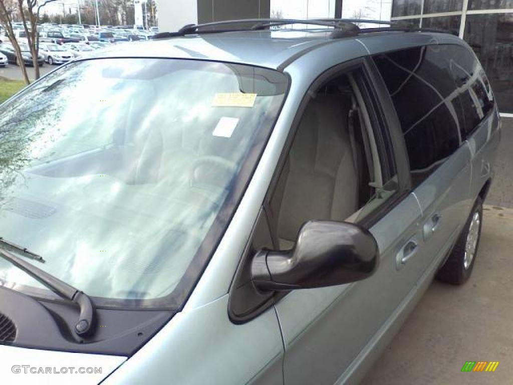 2003 Town & Country LX - Butane Blue Pearl / Gray photo #21