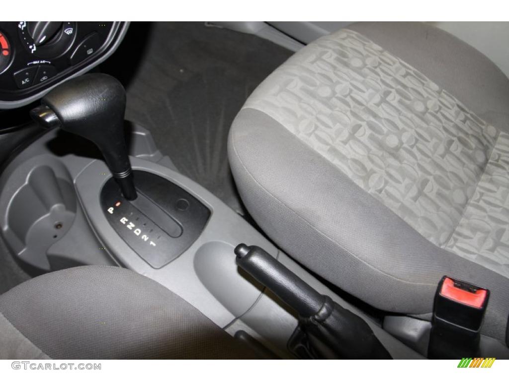 2005 Focus ZX4 S Sedan - Pitch Black / Dark Flint/Light Flint photo #23