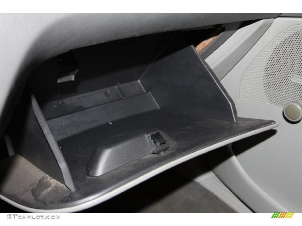 2005 Focus ZX4 S Sedan - Pitch Black / Dark Flint/Light Flint photo #24