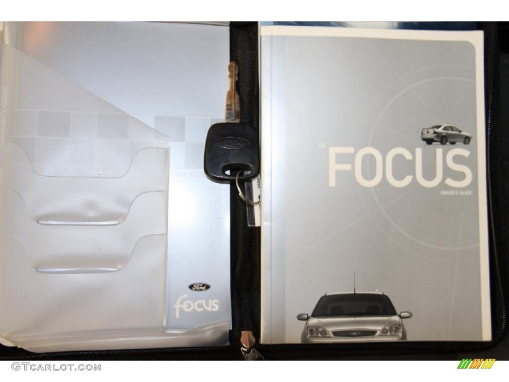 2005 Focus ZX4 S Sedan - Pitch Black / Dark Flint/Light Flint photo #38