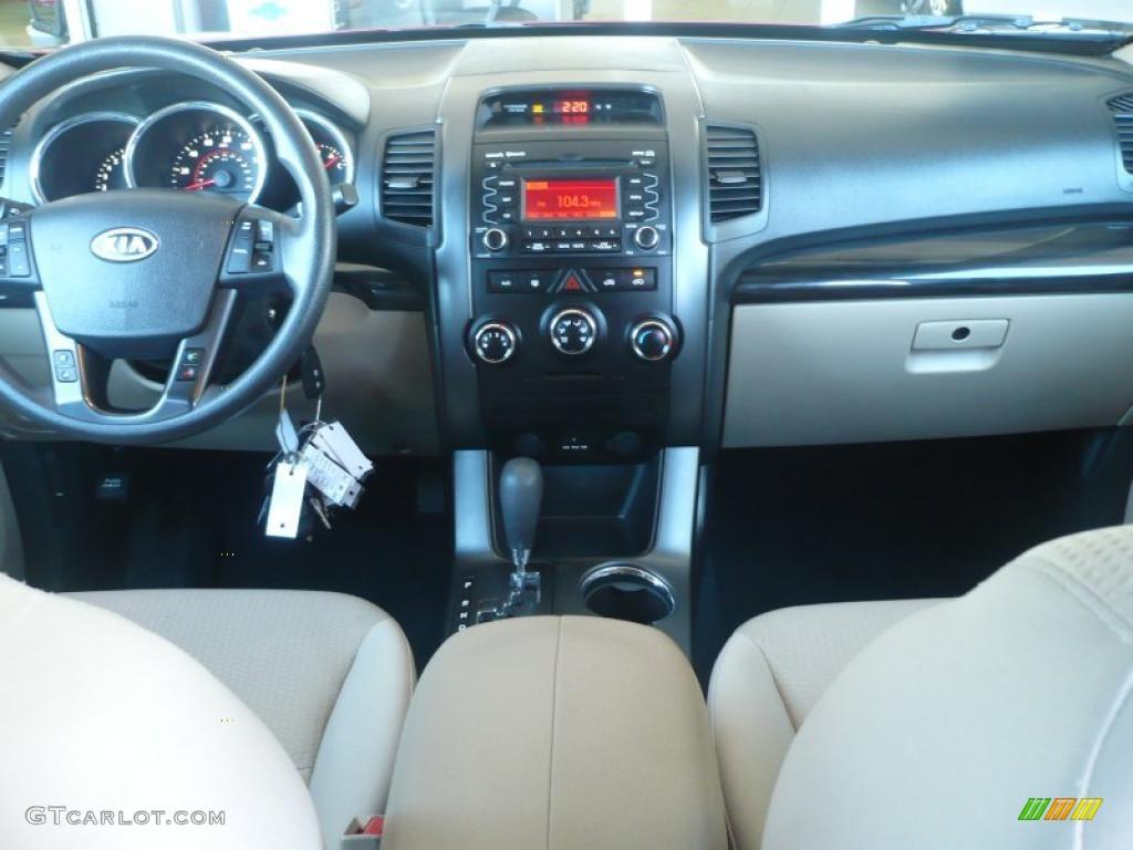 2011 Sorento LX AWD - Spicy Red / Beige photo #16