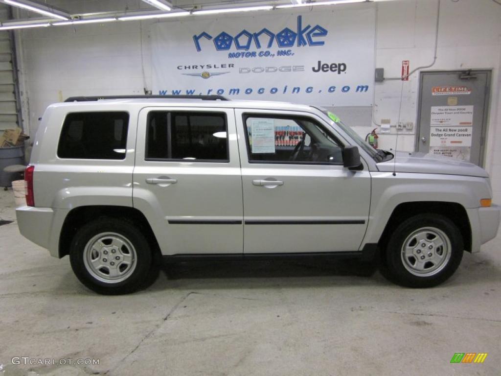 2010 bright silver metallic jeep patriot sport 4x4. Black Bedroom Furniture Sets. Home Design Ideas