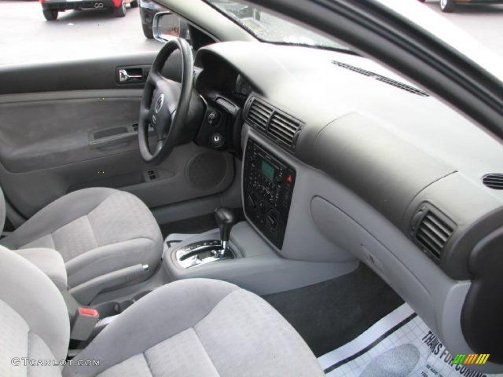 Grey Interior 2002 Volkswagen Passat Gls Wagon Photo 45994625