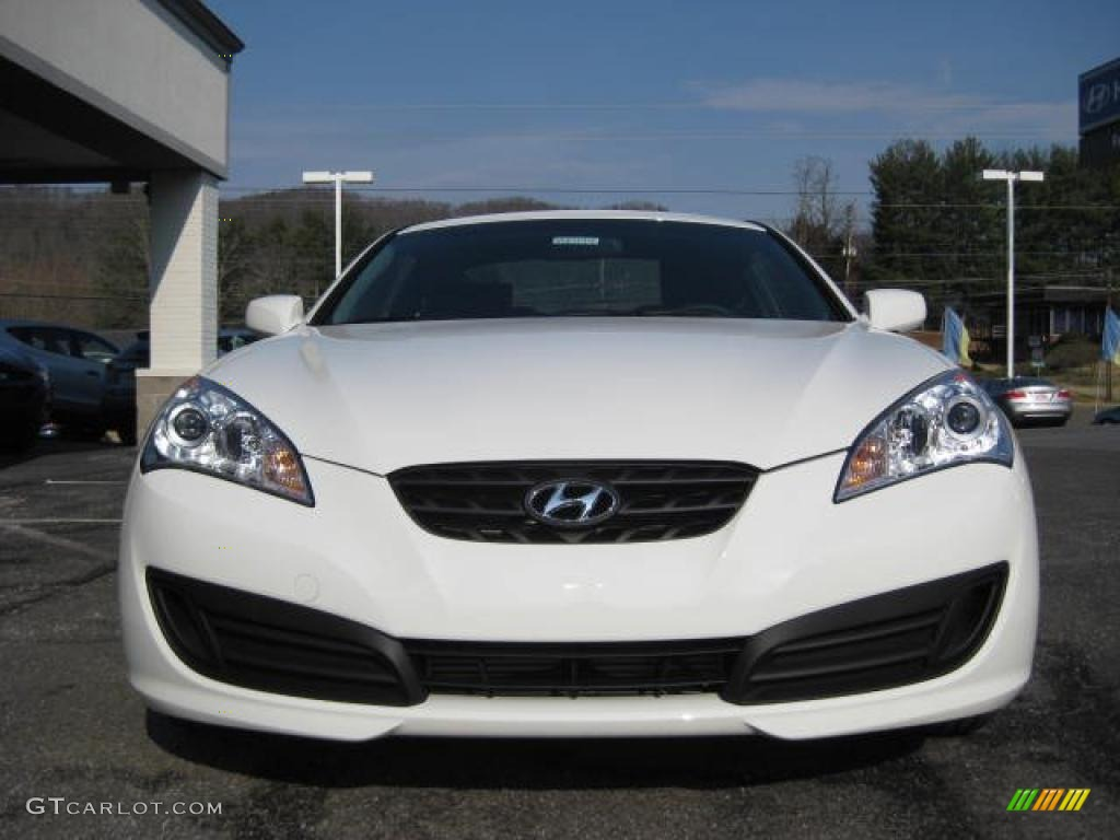 Karussell White 2011 Hyundai Genesis Coupe 2 0t Exterior