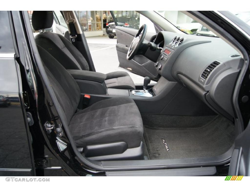 Charcoal Interior 2010 Nissan Altima 2 5 S Photo 46047023