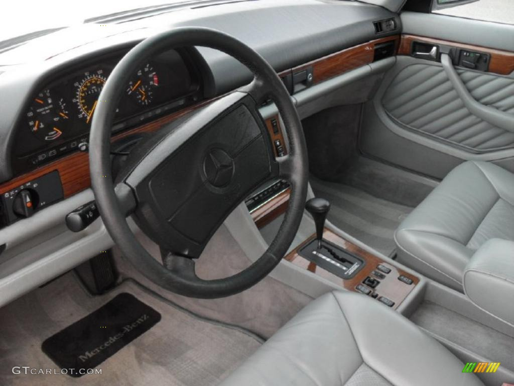 Service manual 1990 mercedes benz s class rear door for Mercedes benz upholstery repair