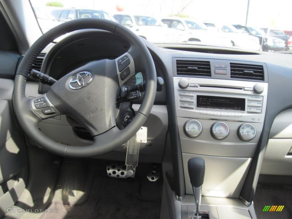2011 toyota camry se ash dashboard photo 46139143. Black Bedroom Furniture Sets. Home Design Ideas