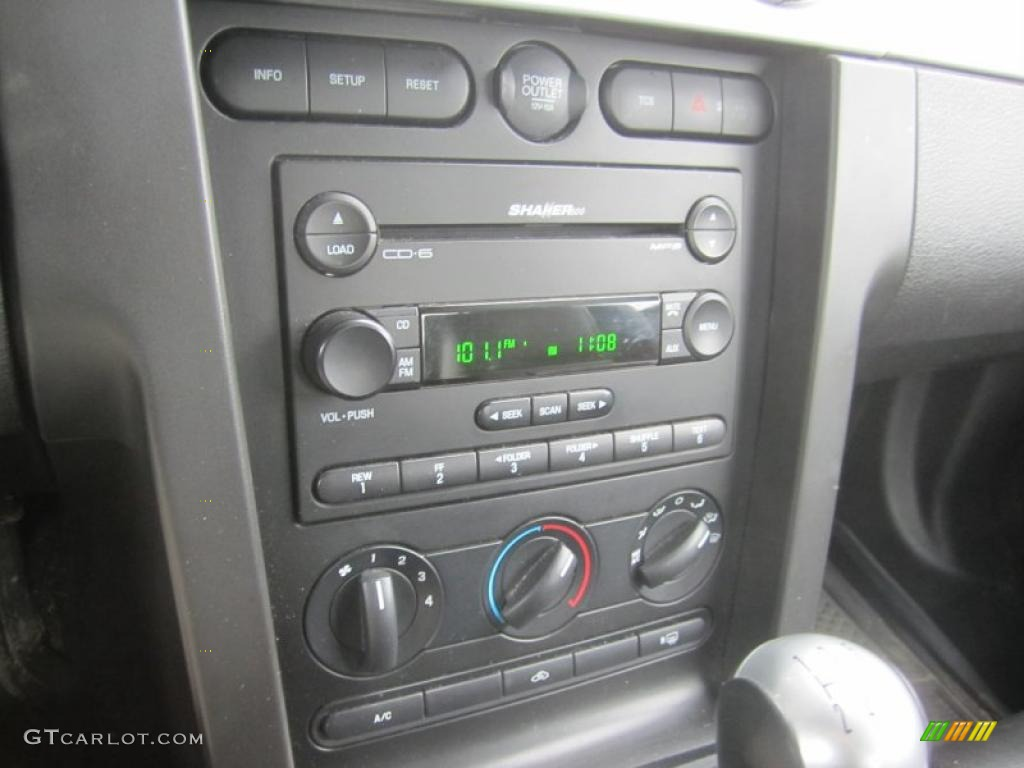 2006 Ford Mustang V6 Premium Coupe Controls Photo #46190207