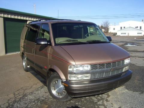 2000 Chevrolet Astro LS AWD Passenger Van Data, Info and Specs