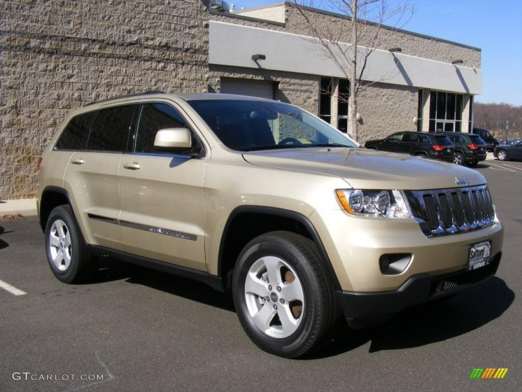 75 Audi   P0057 additionally Exterior 54765763 together with Wrangler Duratrac Tires in addition Exterior 46248094 together with Hoist Top Simple Jeep Cj Wrangler. on 2004 jeep grand cherokee