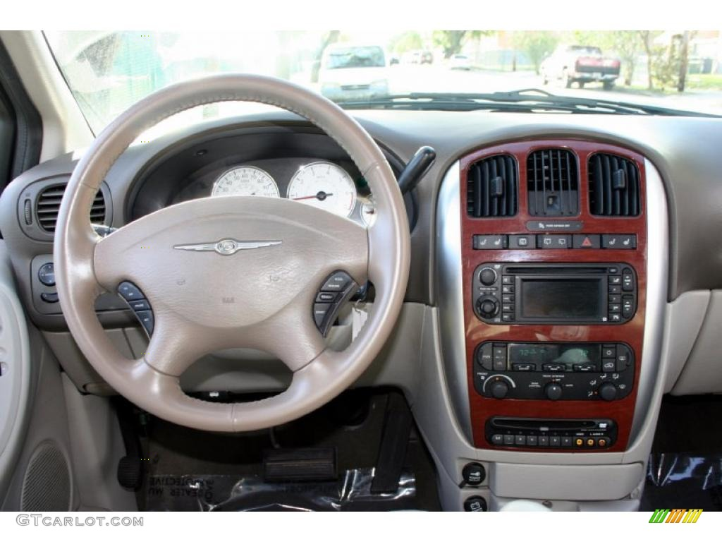 2005 chrysler town country limited dashboard photos. Black Bedroom Furniture Sets. Home Design Ideas