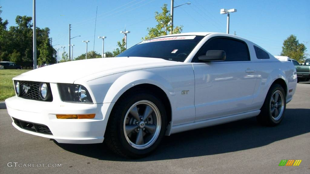 2006 performance white ford mustang gt premium coupe. Black Bedroom Furniture Sets. Home Design Ideas